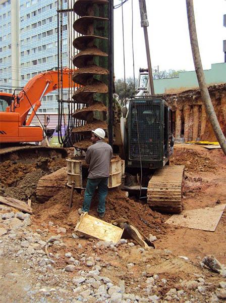 Execução de estacas do corpo do prédio