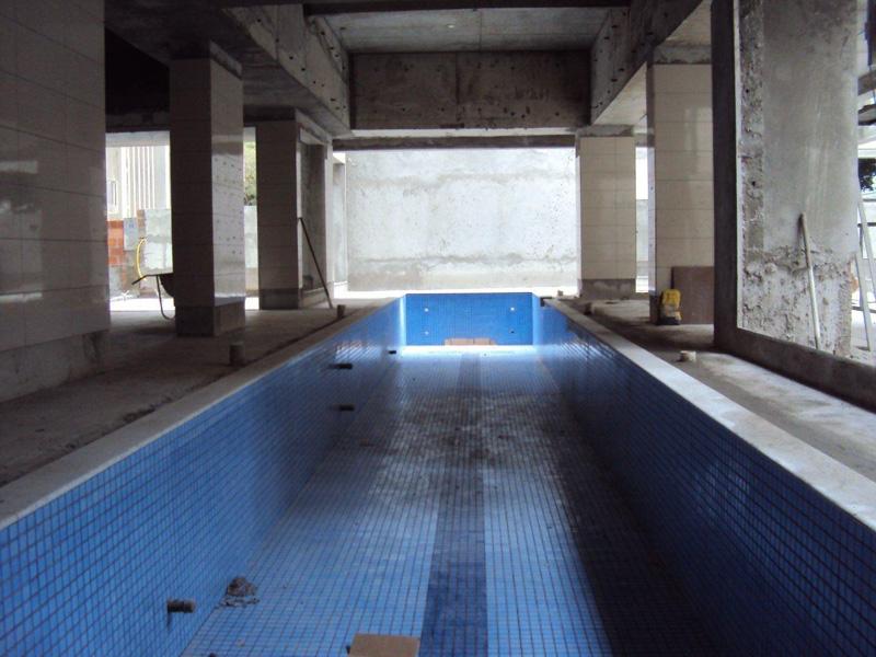 Cerâmica da piscina