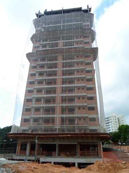 Torre 03, Alvenaria e estrutura