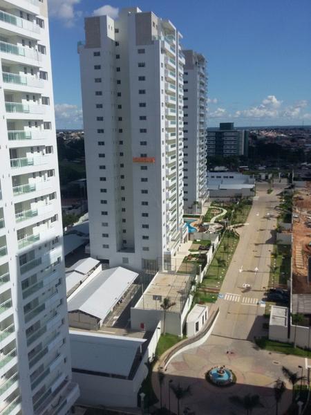 Torre 2  Quadra e estacionamento
