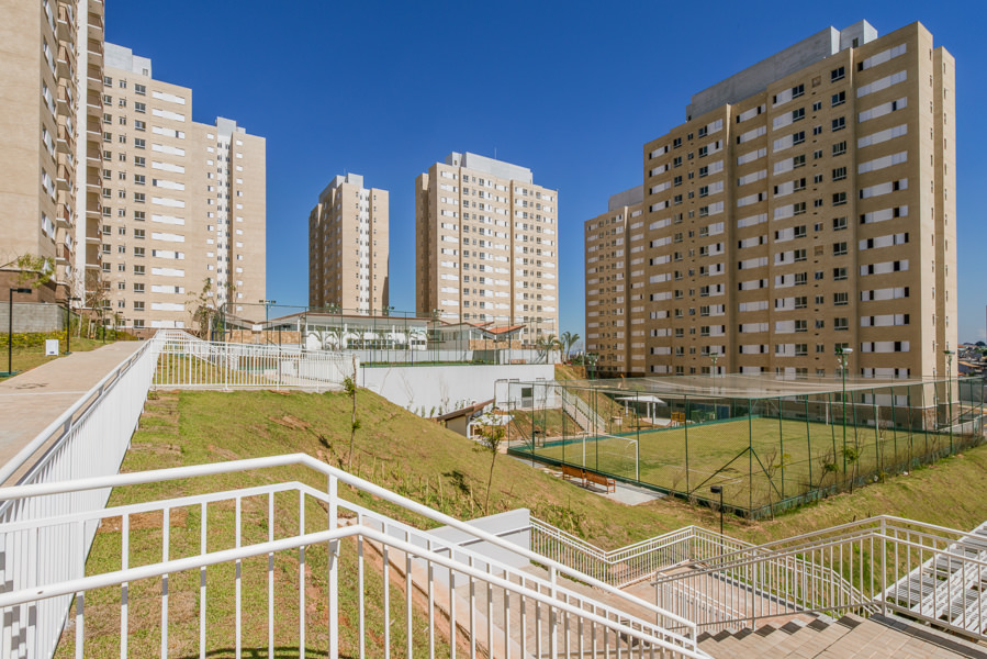 Vista da quadra e fachadas