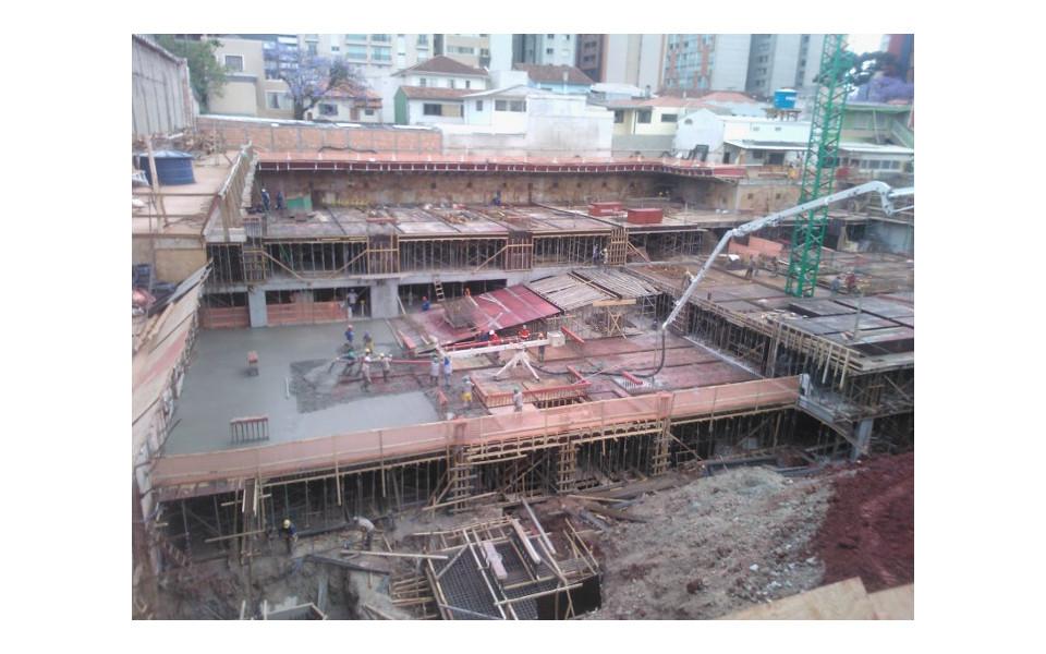 Concretagem piso do 3º subsolo