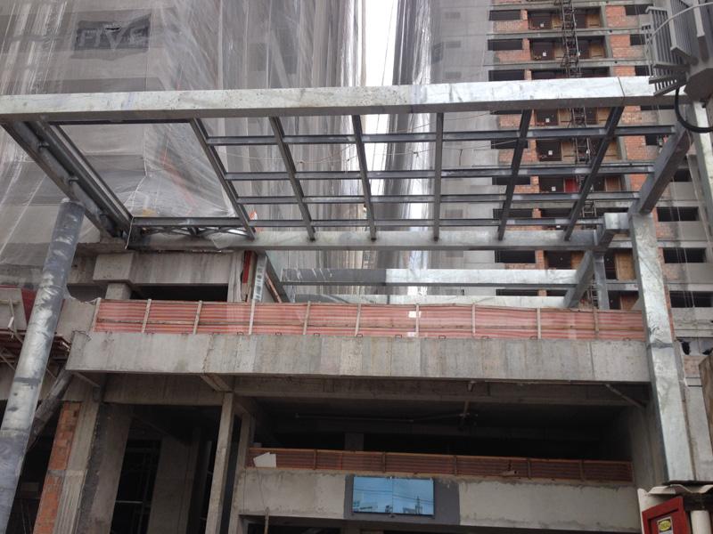 Estrutura metálica fachada e 2º pavimento