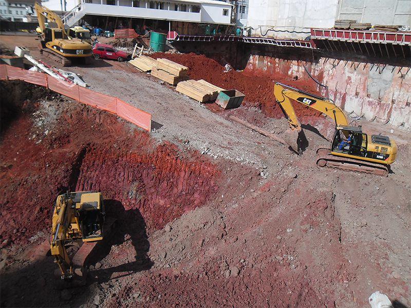 Escavação torre comercial