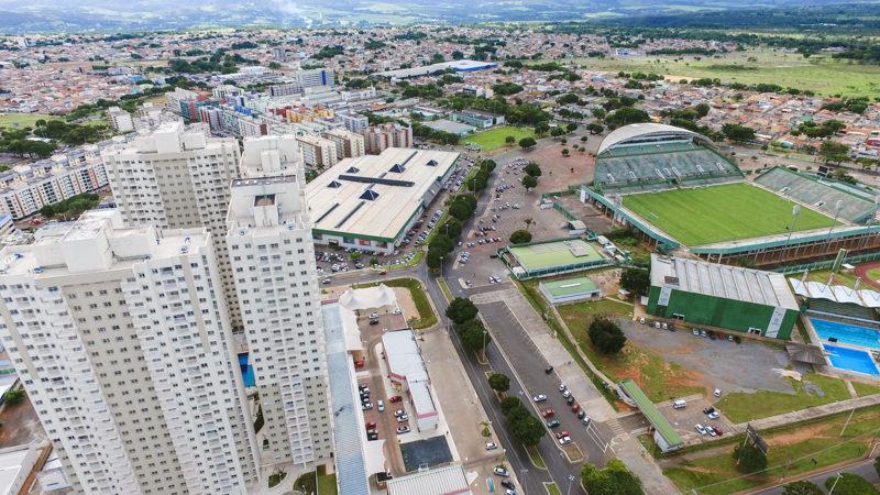 Flex Gama com Estádio Bezerrão à direita