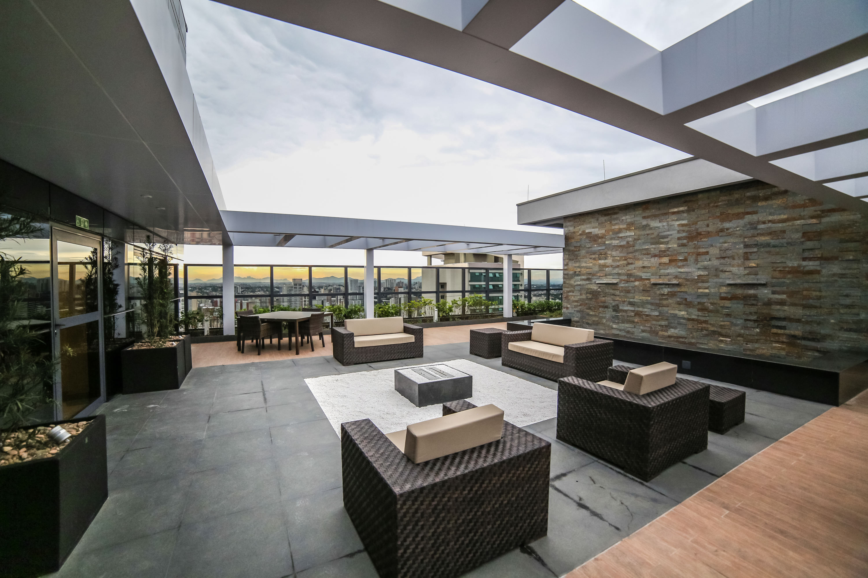 Lounge externo no 32º pavimento exclusivo para o residencial