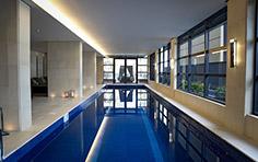 Piscina coberta e aquecida exclusiva do residencial - The Five Home - Tecnisa