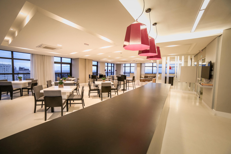 Salão gourmet no 32º pavimento exclusivo do residencial